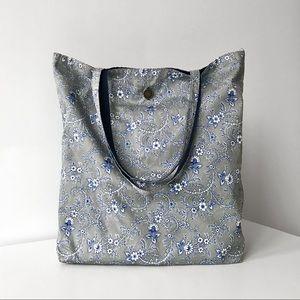 NEW Gap Reversible Shoulder Tote Bag
